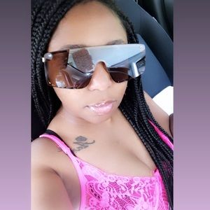 Accessories - Girl Gang sunglasses